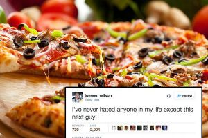 A pizzeria employee rants on Twitter about a customer who handles his pie all wrong (30 Photos)