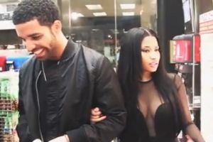 Celebrities Are Just Like Us! Nicki Minaj And Drake Buy Snacks At A Convenience Store