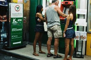 An Innocuous Photo Of People At A Thailand ATM Has Suddenly Become An Internet Sensation (15 pics)