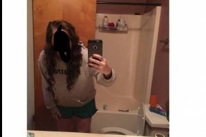 Fail Of The Day! Girl Snapchats Her Photo With Dildos And Sends It To Her Parents (4 pics)