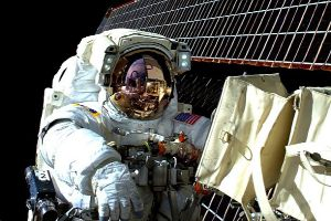 He Spent A Year In Space, And Here Are Some Of The Coolest Things He Saw (11 pics)