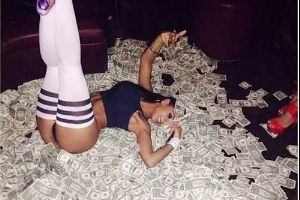 Strippers Be Rich! Photos of Hot Dancers Posing With Their Money!