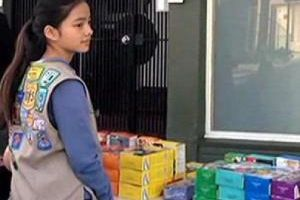 This Girl Scout just sold a ridiculous amount of cookies by standing outside a marijuana shop. Absolutely genius