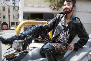 Someone please tells me what`s going on with the new Japanese trend? Beards? (14 pics)