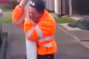 Use this on the friends you hate! Man gets stuck on a lamp post without the need of duct tape