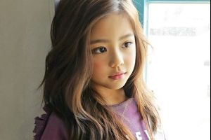 8 year old Korean girl with an angel face will make you want to have a daughter!