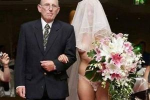 Wedding photos are so awkward you never want any of these happen on your wedding day.