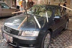Creepy photos of how people put their anger, madness and pain on the cars to get revenge on the cheaters