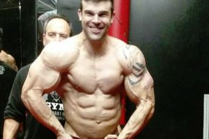 Bodybuilder Boston Loyd released a shocking raw video showing himself injecting steroids and synthol, and his fridge full of drugs!