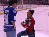 Woman Proposes Her Girlfriend During Hockey Game