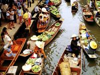 Thai Floating Market in Pictures
