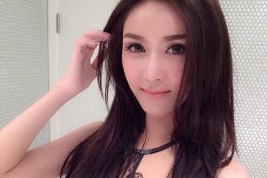 Thai most beautiful transgender Nong Poy has another competitor: Piyada from Laos. Who looks prettier? (44 pics)