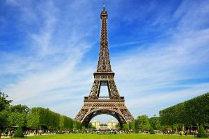The Eiffel tower Is Amazing But Its Much More Than That! It Has An Apartment on Top