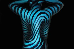 Incredible Body Painting Turns Torsos into Mind-Bending Optical Illusions