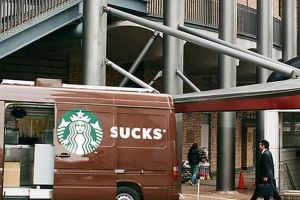 The Most Hilariously Unfortunate Ad Placements Ever ...(10 photos)