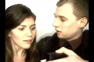 This Guy Proposed in a Photobooth and It Caught the GF's Reaction Perfectly!
