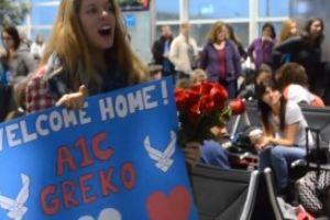 She Was Waiting Patiently At The Airport…Watch The Strangers Around Her. WOW!