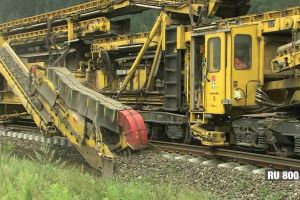 This Huge and Beautiful Piece of Engineering Serves to Renew Railroad Tracks