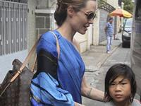 The family of Angelina Jolie and Brad Pitt in Vietnam