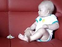2 babies have hilarious conversation in their own special baby language