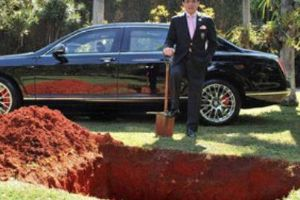Brazilian baron buries million dollar Bentley (5 Photos)