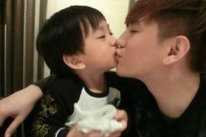 Isnt this the cutest father and son you have seen so far? so cute that their photos go viral in China (14 pics)