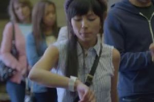Google Unveils New Smart Watch. So Damn Cool That You Want It Badly!