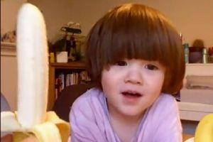Adorable Kid Says BANANA In The Cutest Way Like The `Minions` Will Melt Your Heart