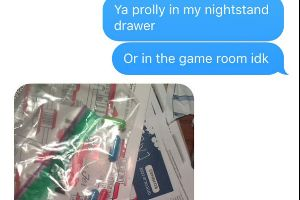 Mom Thinks She Finds Drugs in Daughter`s Bedroom