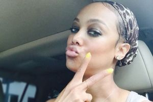 Tyra Banks Goes Makeup Free to Show Her True Beauty to the World (4 pics + 1 gif)