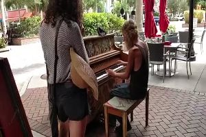 This Homeless Man Can Play Piano Like a Superstar. I'm speechless...