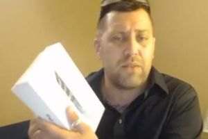Guy buys iPad from Walmart, gets something entirely different, and neither Walmart nor Apple will refund his $300