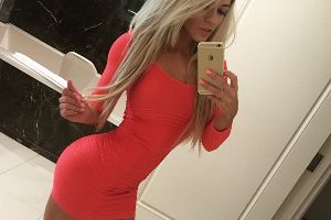 There`s Nothing Better Than A Hot Girl That Knows How To Rock A Tight Dress (23 pics)