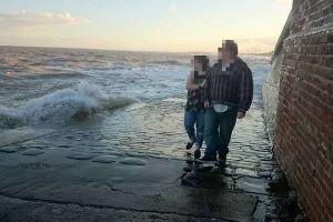 This Is Why It Is Dangerous To Walk On A Slipway (13 pics)