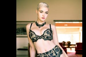 This Woman Has Completely Destroyed Stereotypes About the Modeling Business!