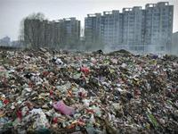 Chinese cities are surrounded by moutains of garbages