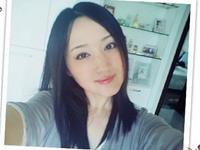 Chinese singer Yang Yuying looks incredibly young at age 42.