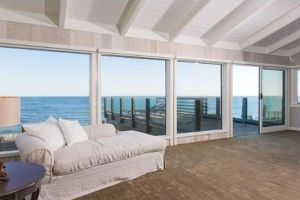 Leonardo DiCaprio Is Selling His House for a Cool $19 Million, Anyone? (23 pics)