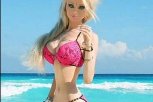 Human Barbie Doll's Bare Faced Selfie without Makeup (6 pics)