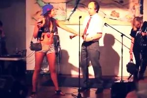 Drunk Girl Attacks Comedian - Was it too much wine or just a horrible comedian?