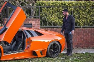 Is This the Worst Lamborghini Test Drive Ever? (12 pics)