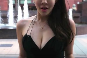 Gorgeous Comedian Shows How to Pick Up Guys