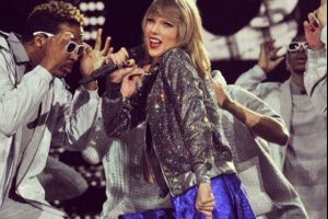 Taylor Swift Is a Real Angel in Disguise (5 pics)