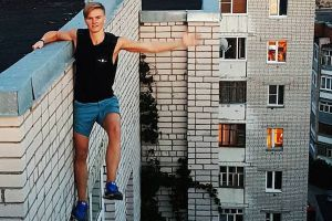 Idiot of the day! This 17-Year-Old Died Trying to Take an Epic Instagram Selfie