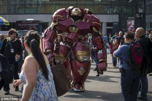 Hulkbuster Iron Man Could be the Greatest Cosplay Ever, See How He Made It.