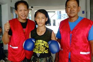 `I like to fight boys, if I win, I become famous` – This kick ass girl isn`t allowed to fight boys anymore, the Thai government won`t let her!