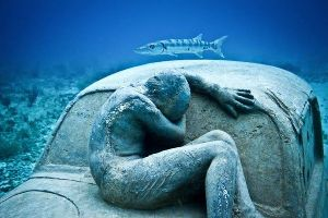 This Man`s Sculptures Are Not Put in the Open But Underwater!