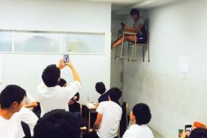 Japanese high school student becomes the talk of the Internet with magic 'floating desk' trick