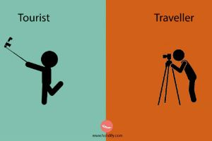 14 Funny Differences Between Tourists and People Who Travel