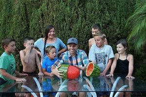 This Guy`s 'Skin A Watermelon' Party Trick Just Looks So Wrong